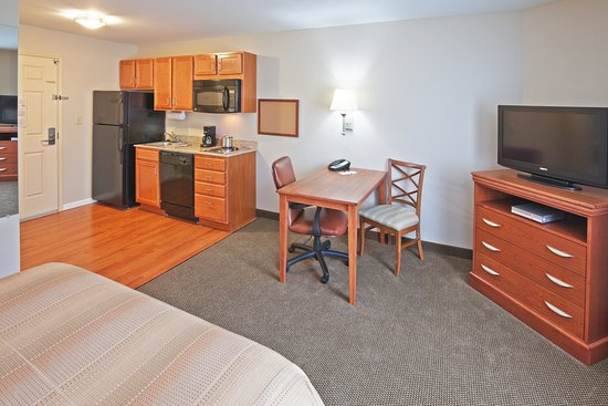 Candlewood Suites Oklahoma City Hotel - room photo 8866315