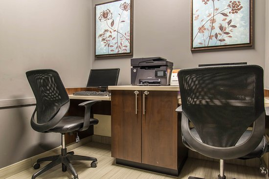 MainStay Suites Winnipeg: Business center
