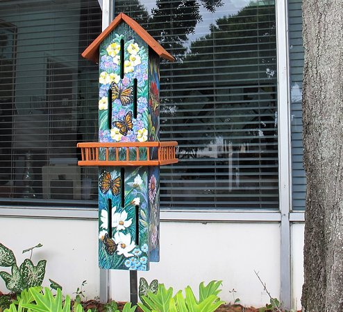 Lake Placid, FL: A butterfly house at the information office
