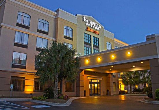 Fairfield Inn & Suites Charleston Airport/Convention Center : Exterior