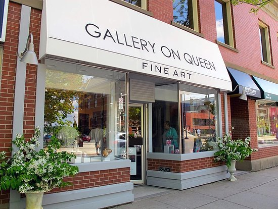 Gallery on Queen