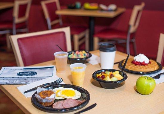 North Kingstown, RI: Breakfast Buffet