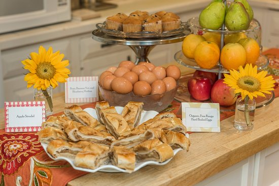 Old Town Manor offers a complimentary breakfast of mostly organic, healthy items.