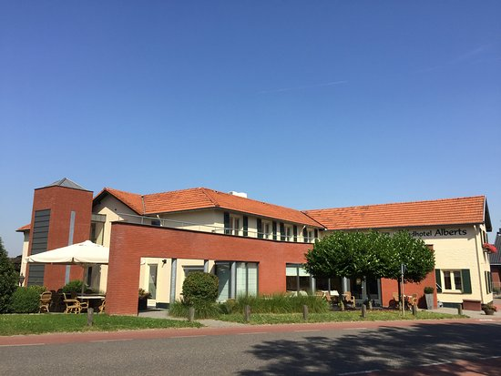Heijenrath, Niederlande: Buitenaanzicht Landhotel