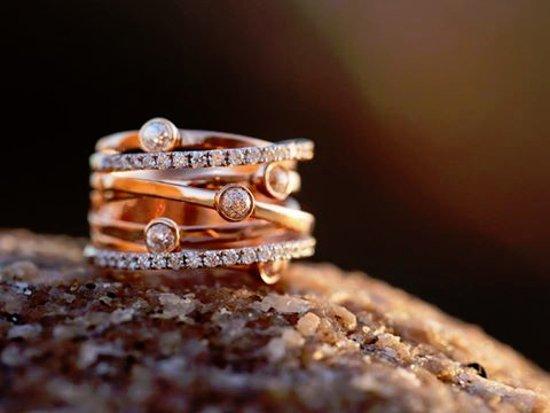 Diamonds International: Crown Of Light Galaxy Collection !