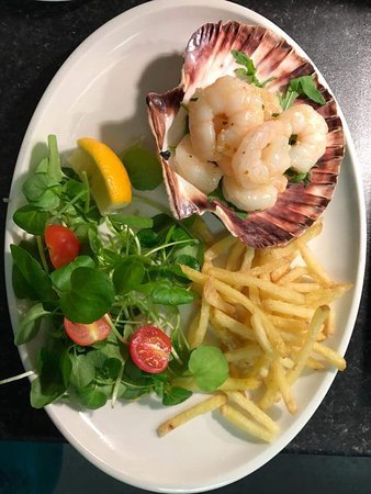 Herstmonceux, UK: Garlic Prawns - special of the day