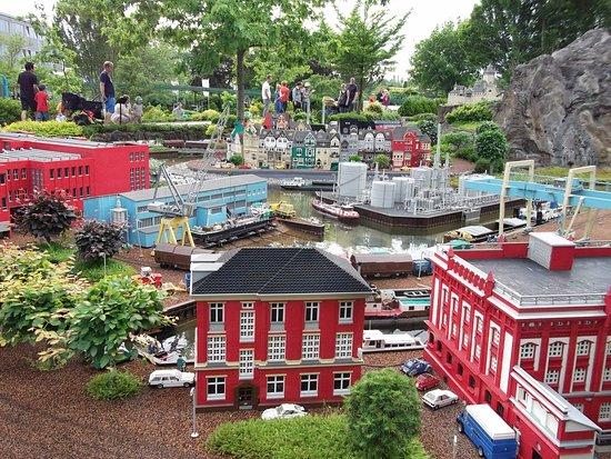 Legoland Billund: Voor de volwassene is het miniatuurpark wel leuk om te zien.