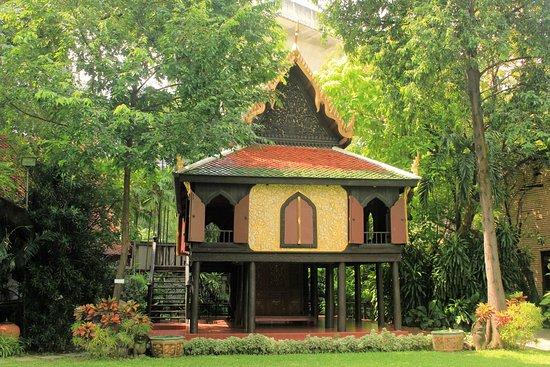 Дворец-музей Суан-Паккад