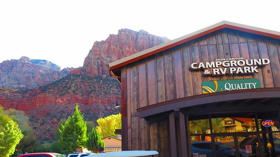 Quality Inn at Zion Park: View of the mountains - rooms and campgrounds located behind the main lobby.