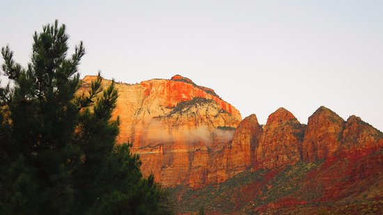 Quality Inn at Zion Park: one more sunrise photo