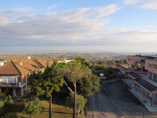 Borgo Maggiore, ซานมารีโน: Вид с балкона номера