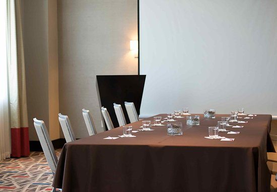 Chelsea, MA: Meeting Room