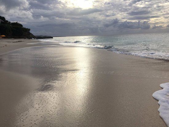 West End Village, Anguilla: The deserted beach at Turtle Cove