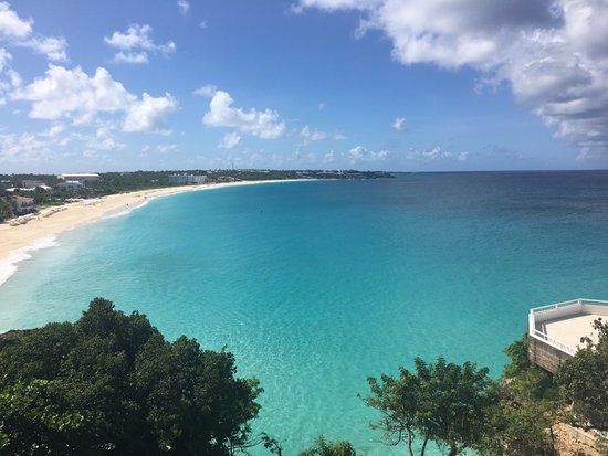 West End Village, Anguilla: Mead's Bay Beach
