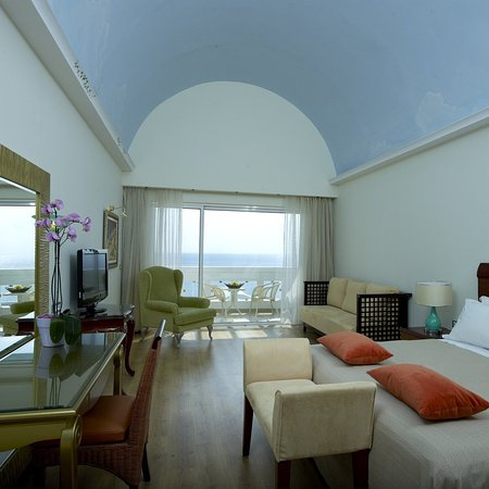 Atrium Prestige Thalasso Spa Resort and Villas: Guest room