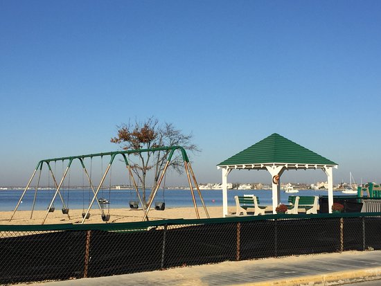 Seaside Park, NJ: Swings and gazebo