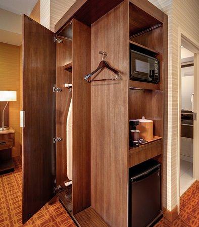 Hutchinson, KS: In-Room Amenities
