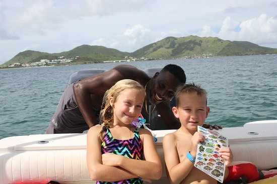 Oyster Pond, St. Maarten-St. Martin: Funnest photo bomber ever!