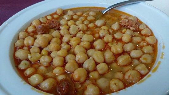 La Muela, Ισπανία: Garbanzos con salchichas