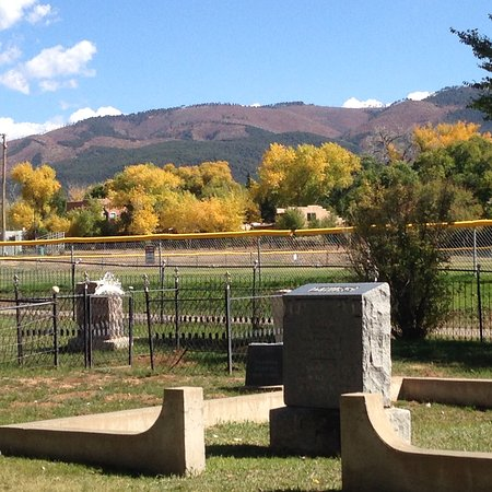 Kit Carson Park: View of nearby mountains