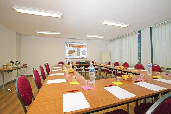 Sejours & Affaires Saint-Nicolas : Meeting room