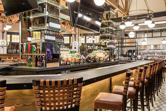 Ledyard, CT: Bar at Guy's Foxwoods