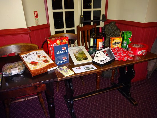 Coombe Bissett, UK: Our Raffle Prize Table