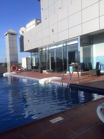 Royal Grand Suite Hotel: Rooftop pool