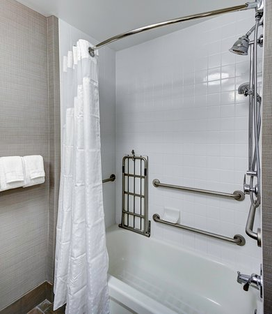 Holiday Inn Savannah Historic District: ADA Mobility Handicapped Bathroom  With Accessible Tub