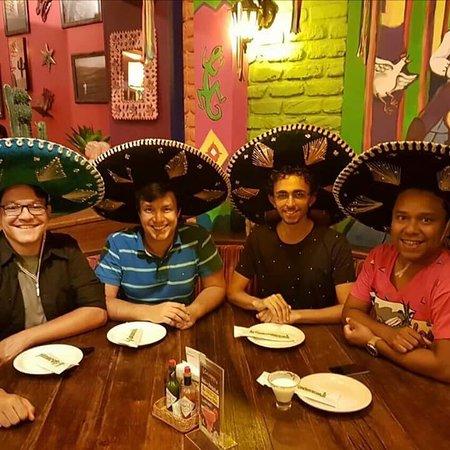 Guacamole Cocina Mexicana  Happy Hour Mexicano cb816f92a2d