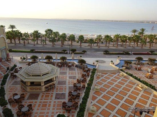 Premier Romance Boutique Hotel and Spa: Altijd een rustige zee waar je zo kunt in gaan zwemmen, ook een zalig mooi uitzicht.