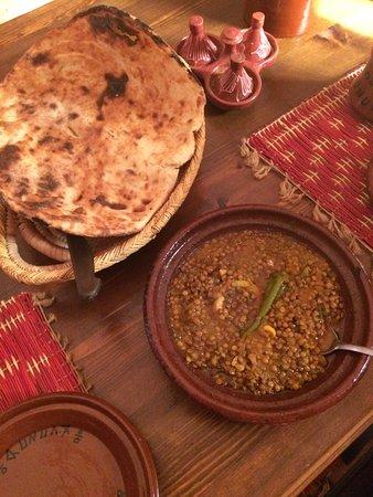 Ouirgane, Marocko: Lentils & Berber bread (delicious - my favourite!)