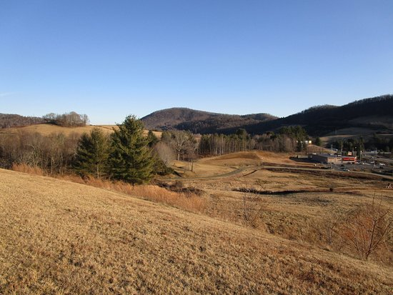 West Jefferson, NC: View of surrounding area fromfront of Hotel