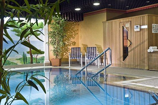 Hotel Mondial: Pool view