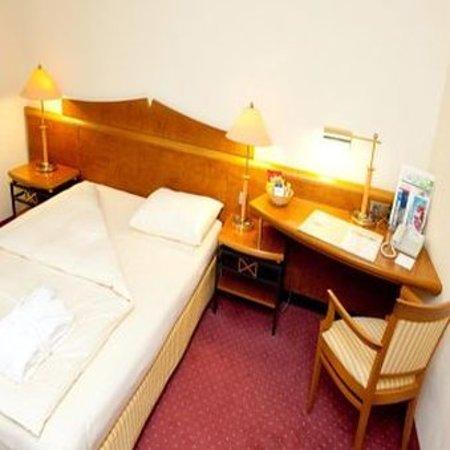 Ahrensburg, Almanya: Guestroom EZQ 1