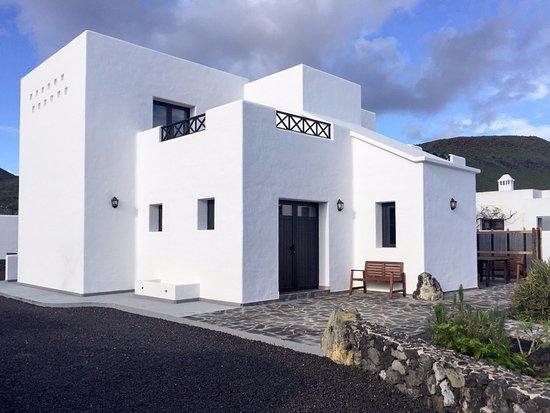 Finca la tabaiba villa de 120 m2 y 800 m2 de jardin for Finca villa jardin piedecuesta