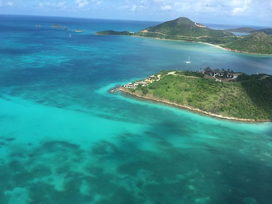 Caribbean Helicopters: Antigua