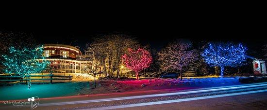 Auberge de La Tour du Lac: Notre Auberge en hiver !