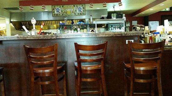 Buggyworks Restaurant and Pub: Inside