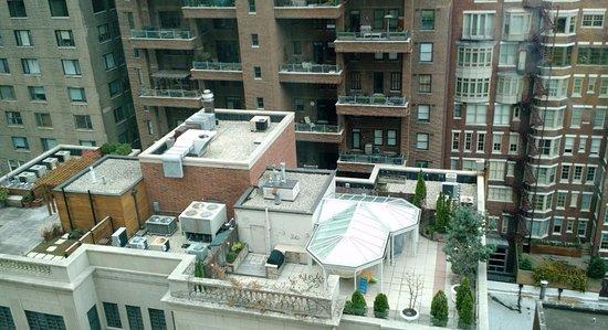 Hilton Chicago/Magnificent Mile Suites: Urban View 2
