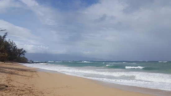 Paia, Hawái: Fun Beach to Watch Waves