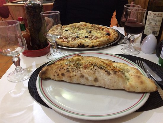Juvignac, Франция: Un moment agréable, d'excellentes pizzas accompagnées d'un petit vin rouge ... que du bonheur!