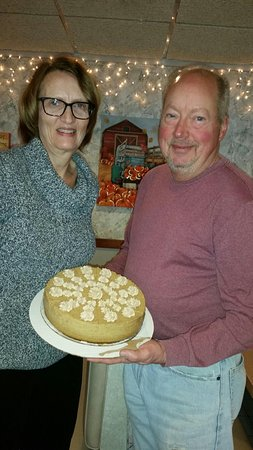 Lawrenceville, Nueva Jersey: Our cheese cake winner for November we hope they enjoyed every bite. Happy holidays from our fam