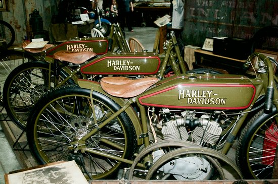 Early Harley-Davidson racing bikes. - Picture of Wheels Through Time