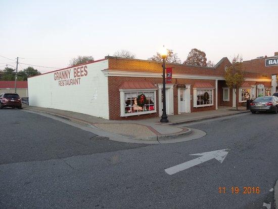 Appomattox, VA: Granny Bee's