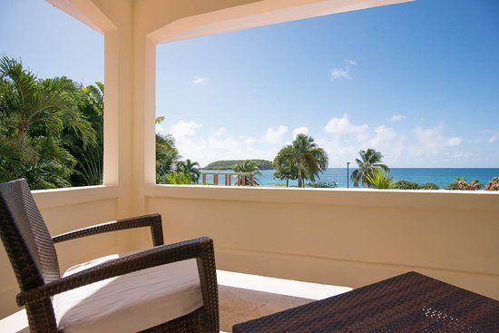 Malecon House: Ocean View King Suite with Terrace