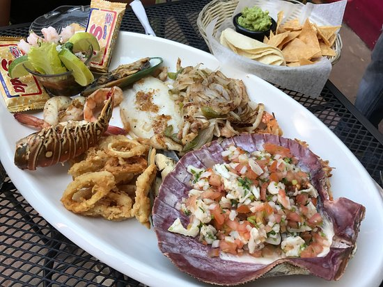 La Lobsteria: The Caribbean Sea platter - incredible!