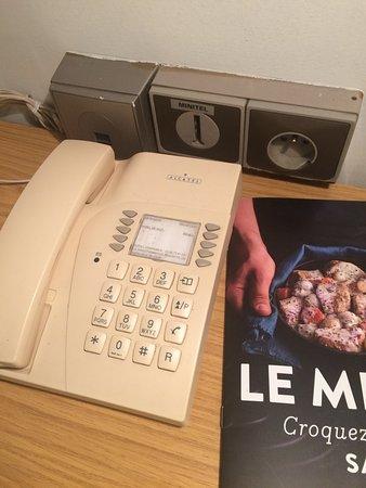 Saint-Martin-sur-le-Pre, France: Prise téléphonique pour brancher votre MINITEL !!!!