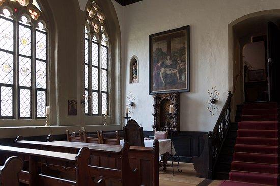 Colmberg, Alemania: Burgkapelle. Die Treppe führt zum Trakt mit dem Hochzeitszimmer