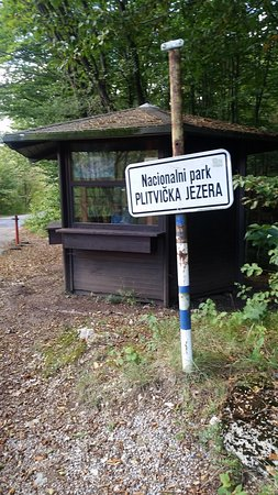 Plitvica, Croacia: the entrance to the lakes